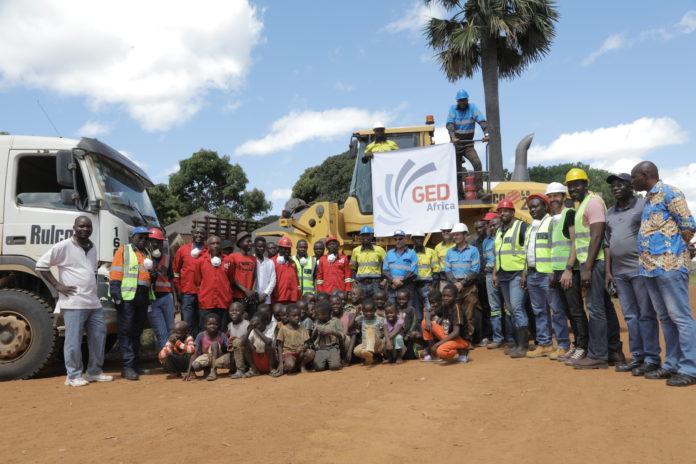 Equipe GED Africa et les enfants de Kasenga