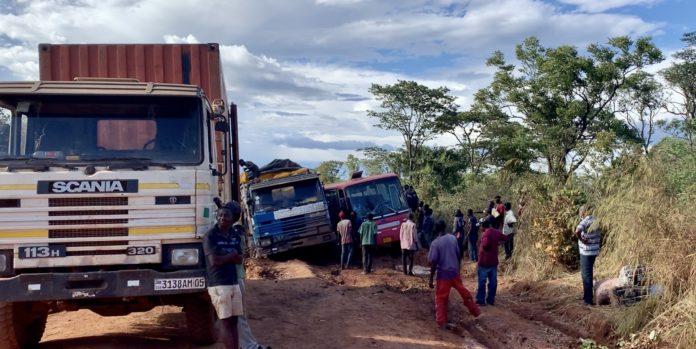 Bourbiers sur la route Kasenga